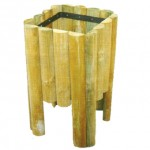 Papelera de madera cuadrada