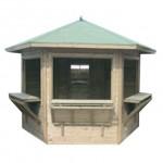 Quiosco de madera hexagonal